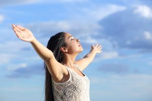 Praca z ciałem obejmuje : oddech, ciało, trening uważności.