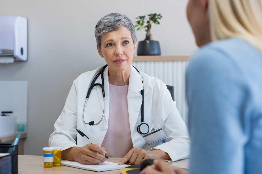 Pierwsza wizyta u endokrynologa - jak się do niej przygotować?
