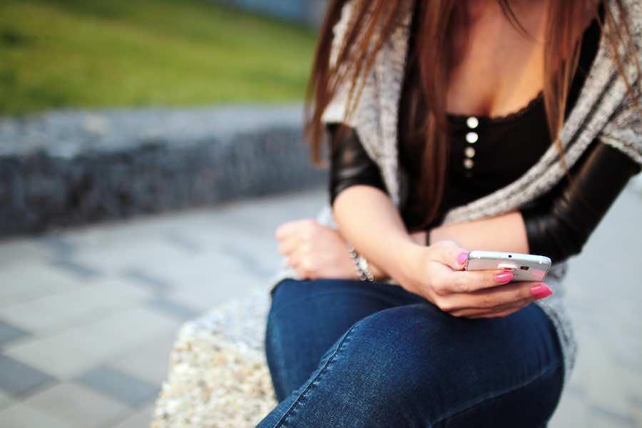 8 rzeczy, których nigdy nie powinieneś pisać w smsie