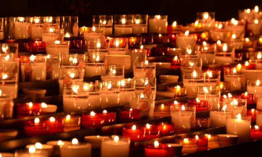 Żałoba. Jak się z nią uporać i jak wesprzeć kogoś po stracie bliskiej osoby?